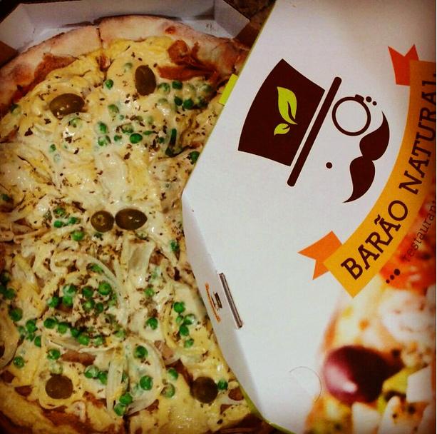 Uma pizza polêmica (Divulgação/Instagram.com/baraonatural)