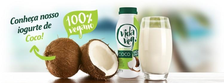 Banner do iogurte de coco da VidaVeg (Divulgação)
